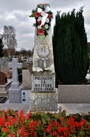 Galeria Cmentarz - mogiły przed